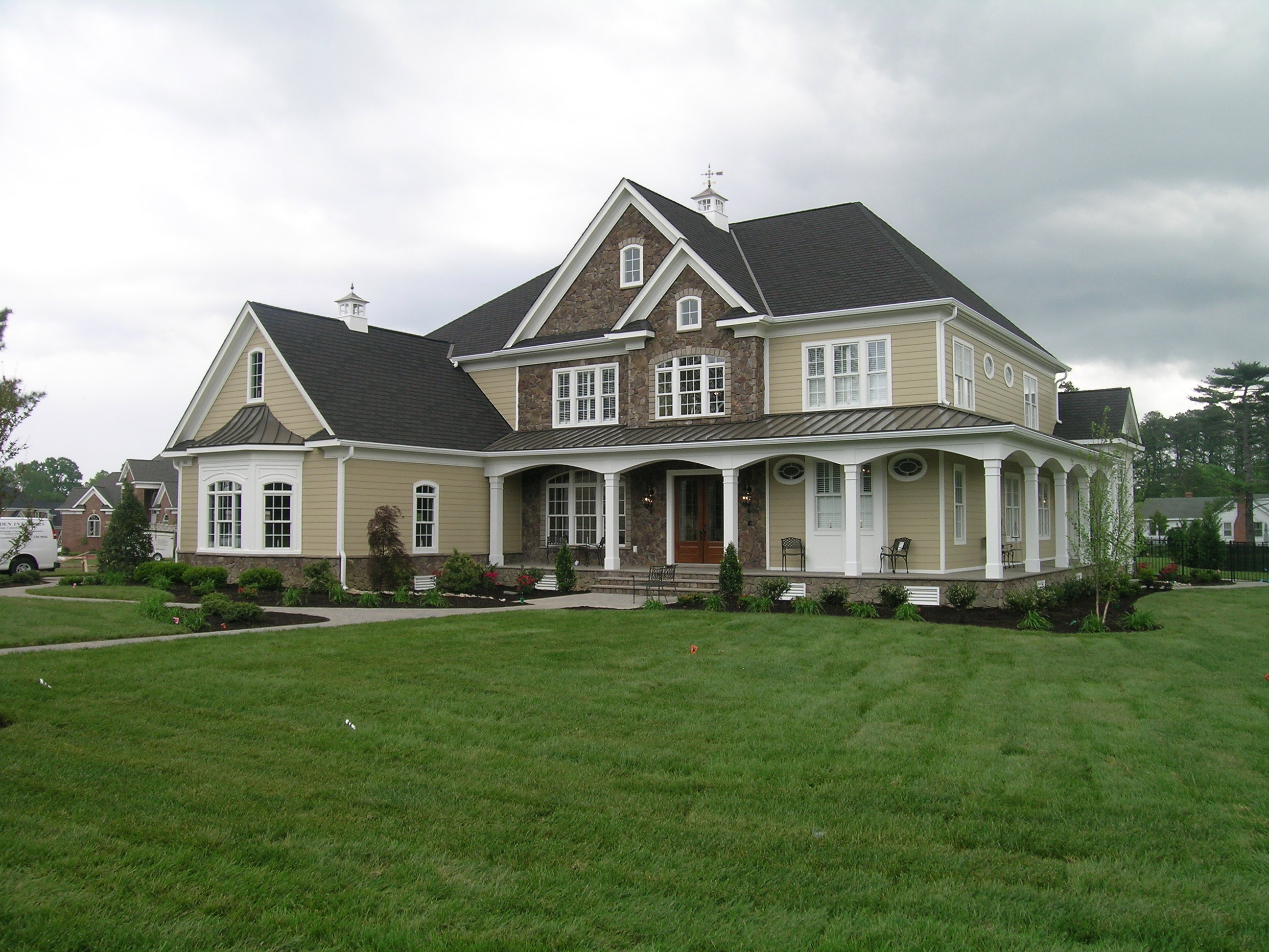 Taylor farms neighborhood spotlight yorktown va mr for Beautiful luxury houses