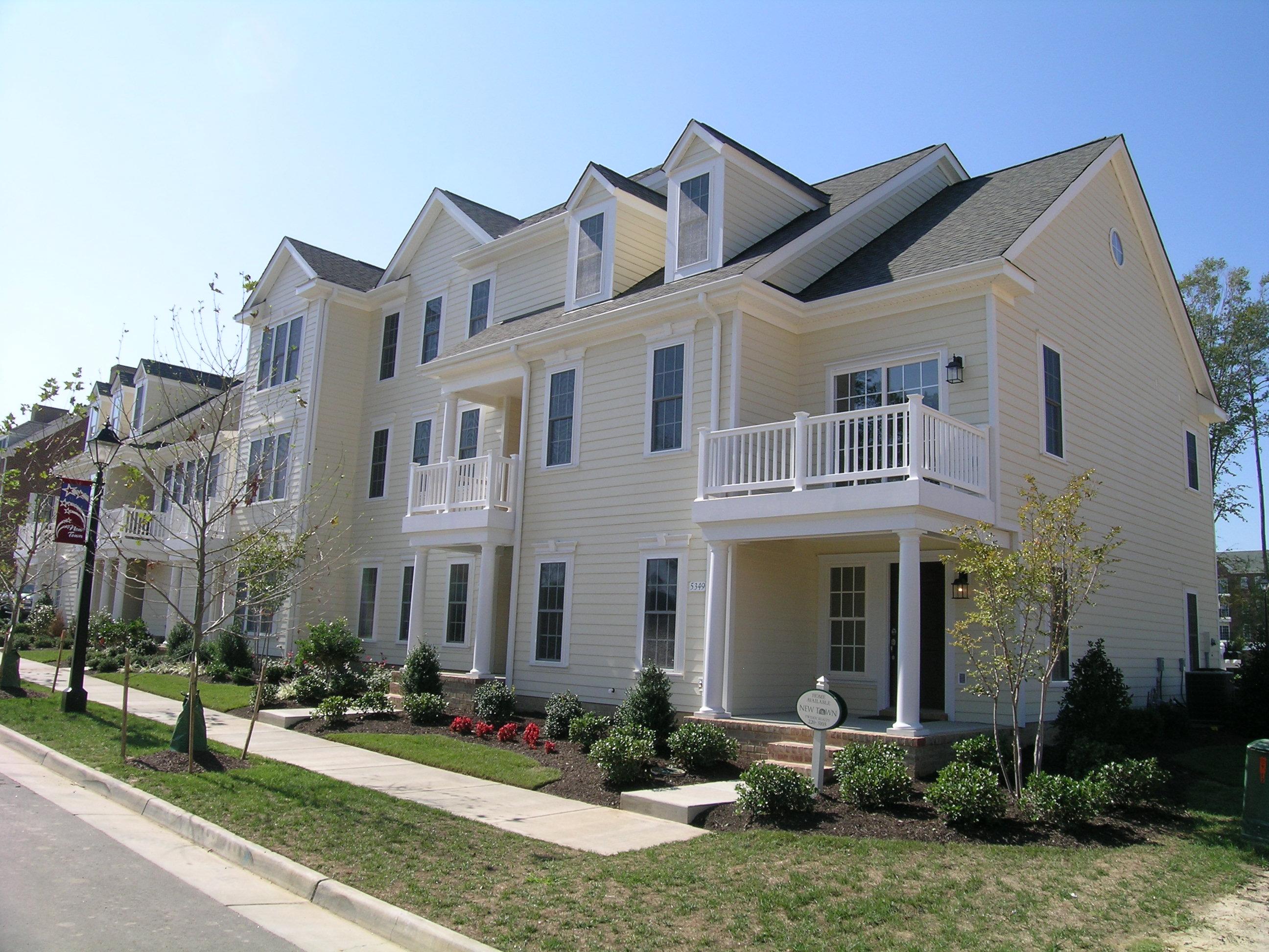 Williamsburg va real estate new town mr williamsburg for Builders in va