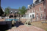 A courtyard view of Wedmore Place in Williamsburg VA