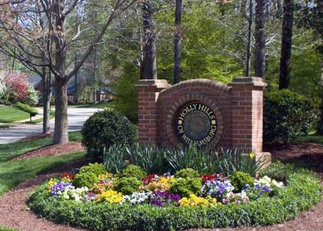 Holly Hills Entrance