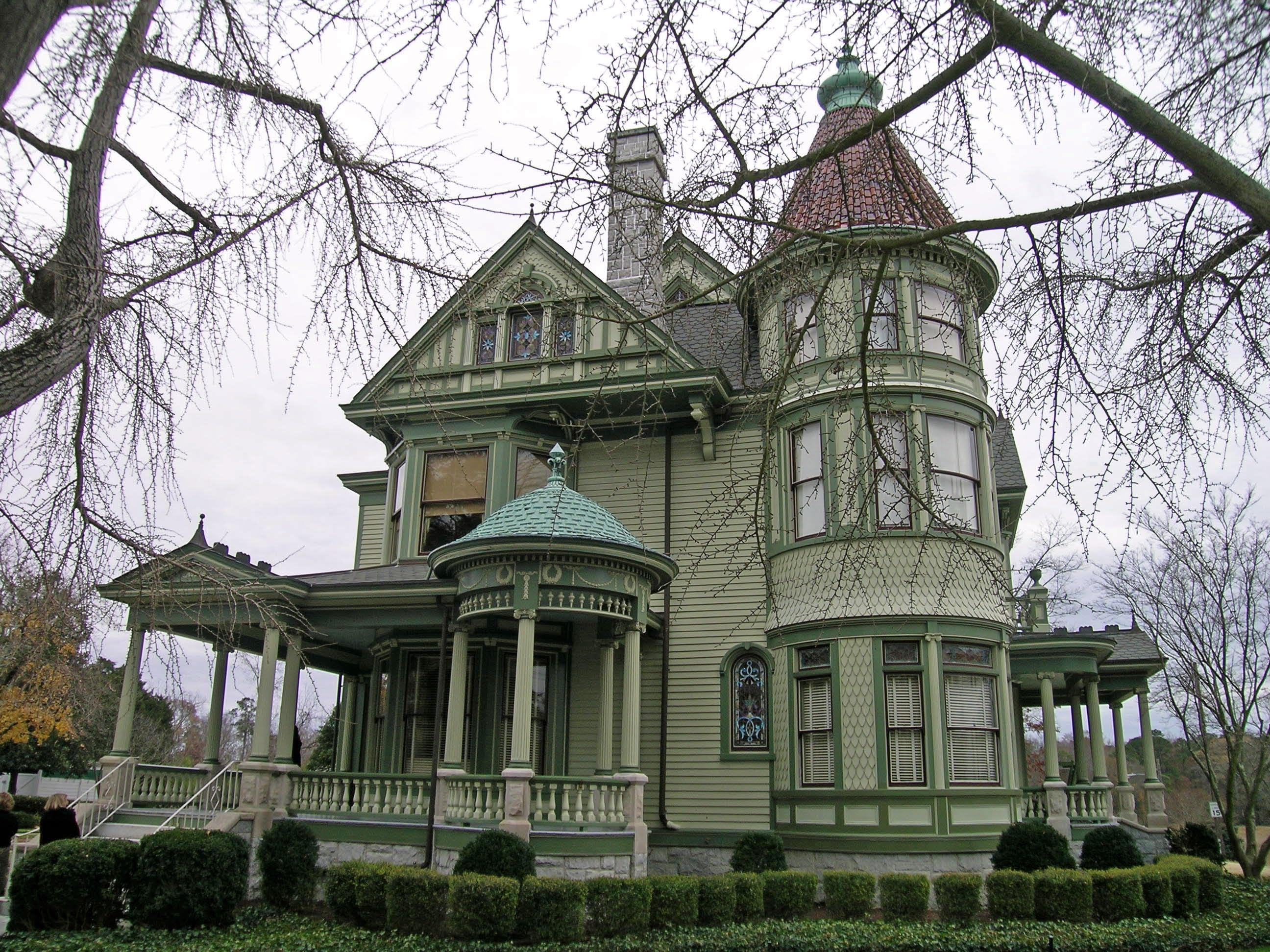 Should You Buy A Historic Home Ws Roofing