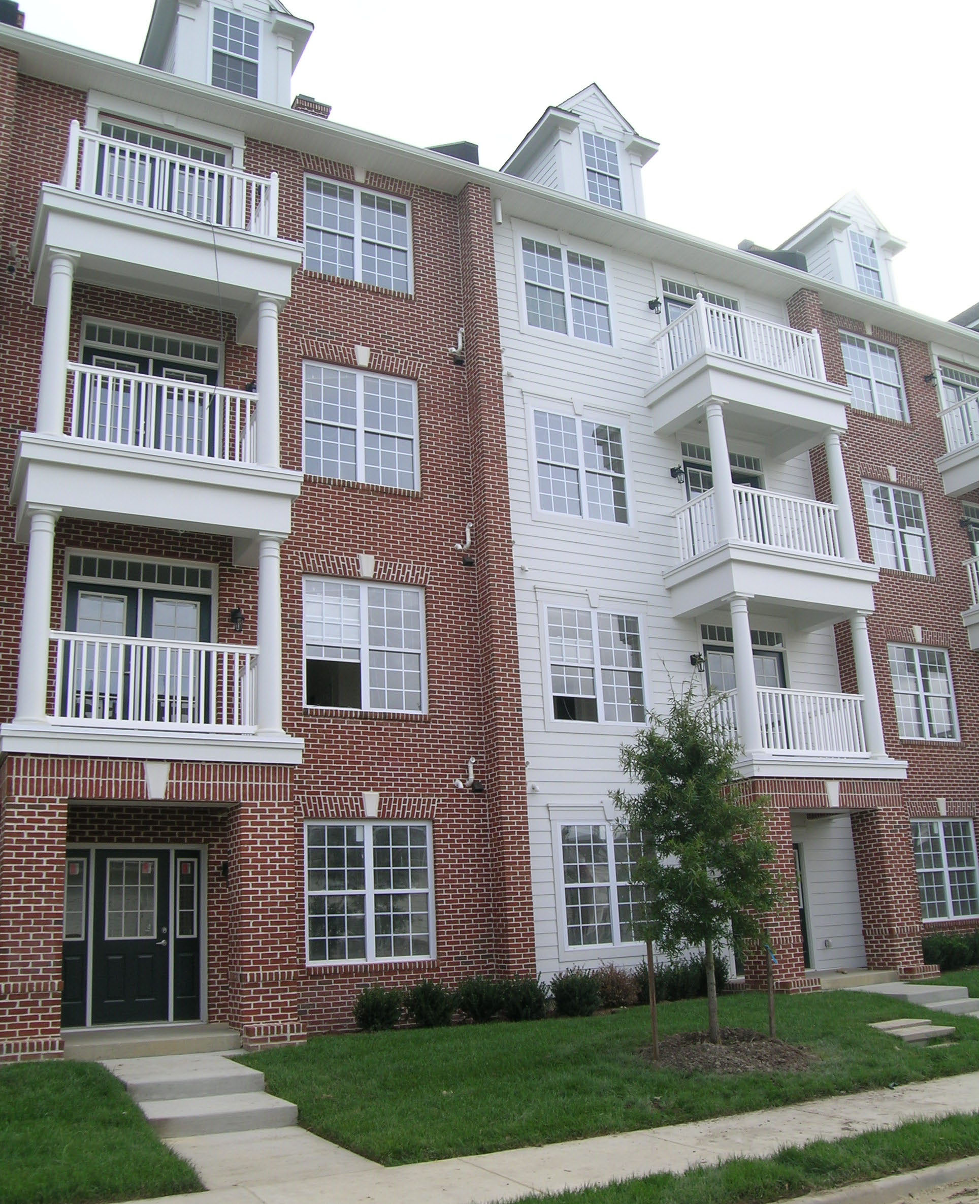 Colonial Manor Apartments: Sterling Manor Apartments, High Street Williamsburg VA