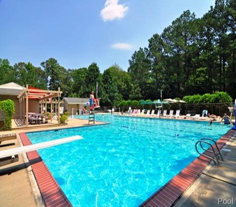 pool in Seasons Trace