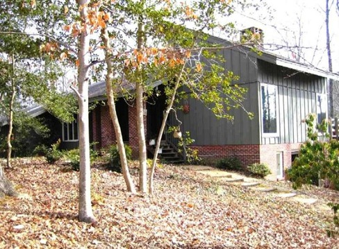 Contemporary in Kingspoint