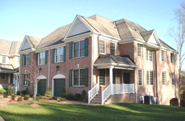 Holly Hills Carriage Homes Neighborhood Spotlight Mr