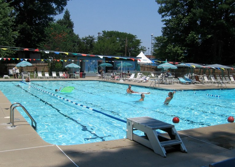 Neighborhoods With Pools In Williamsburg And Yorktown Va Mr Williamsburg Blogging On Life And
