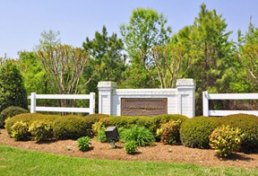 The Pointe at Jamestown is quietly nestled in the heart of the Jamestown National Historical Area of Williamsburg, Virginia off Jamestown Road. This serene location offers easy access to many historical settings such as Colonial Williamsburg