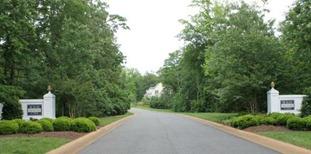 Entrance to Landfall at Jamestown
