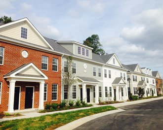 Founders Village will offer luxury 1, 2, and 3 bedroom rental townhomes in a setting that combines every home comfort with superior service and outstanding interior upgrades and community amenities! Their location puts you in the midst of all that Williamsburg and New Town offer